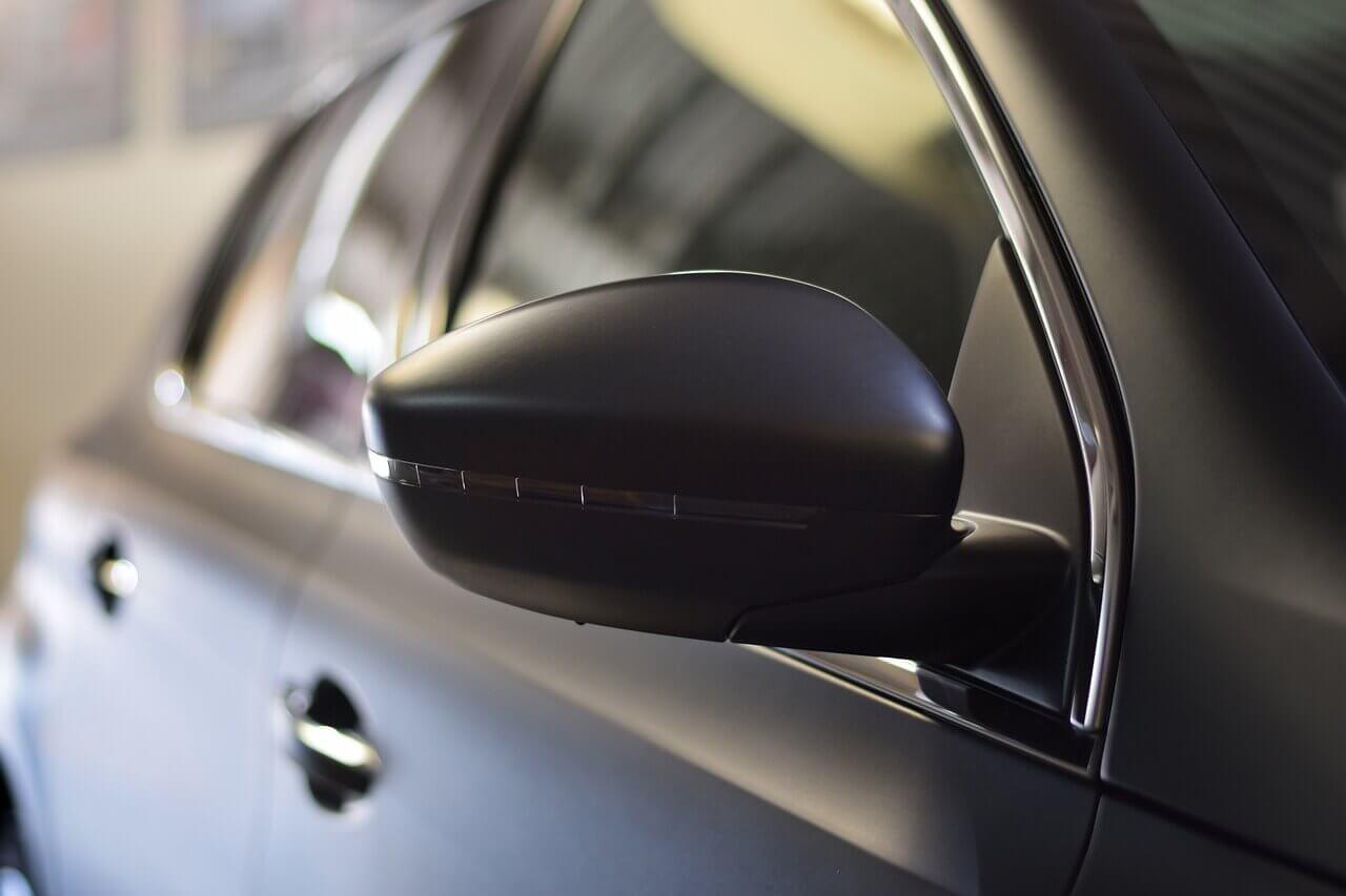 Conheça o limite máximo de insulfilm permitido nos carros