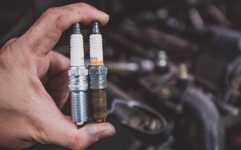 O que é a vela de ignição de seu veículo e as manutenções necessárias